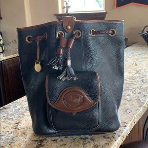 Vintage Dooney & Bourke sling bag